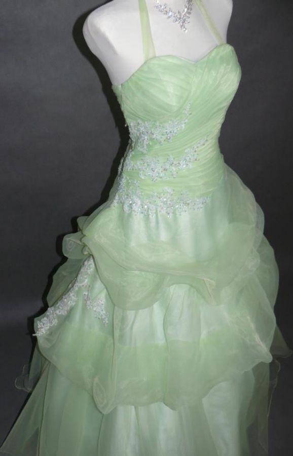 6cebe2a01f0 plesové šaty kolekce Yvettey světle zelené - plesové šaty
